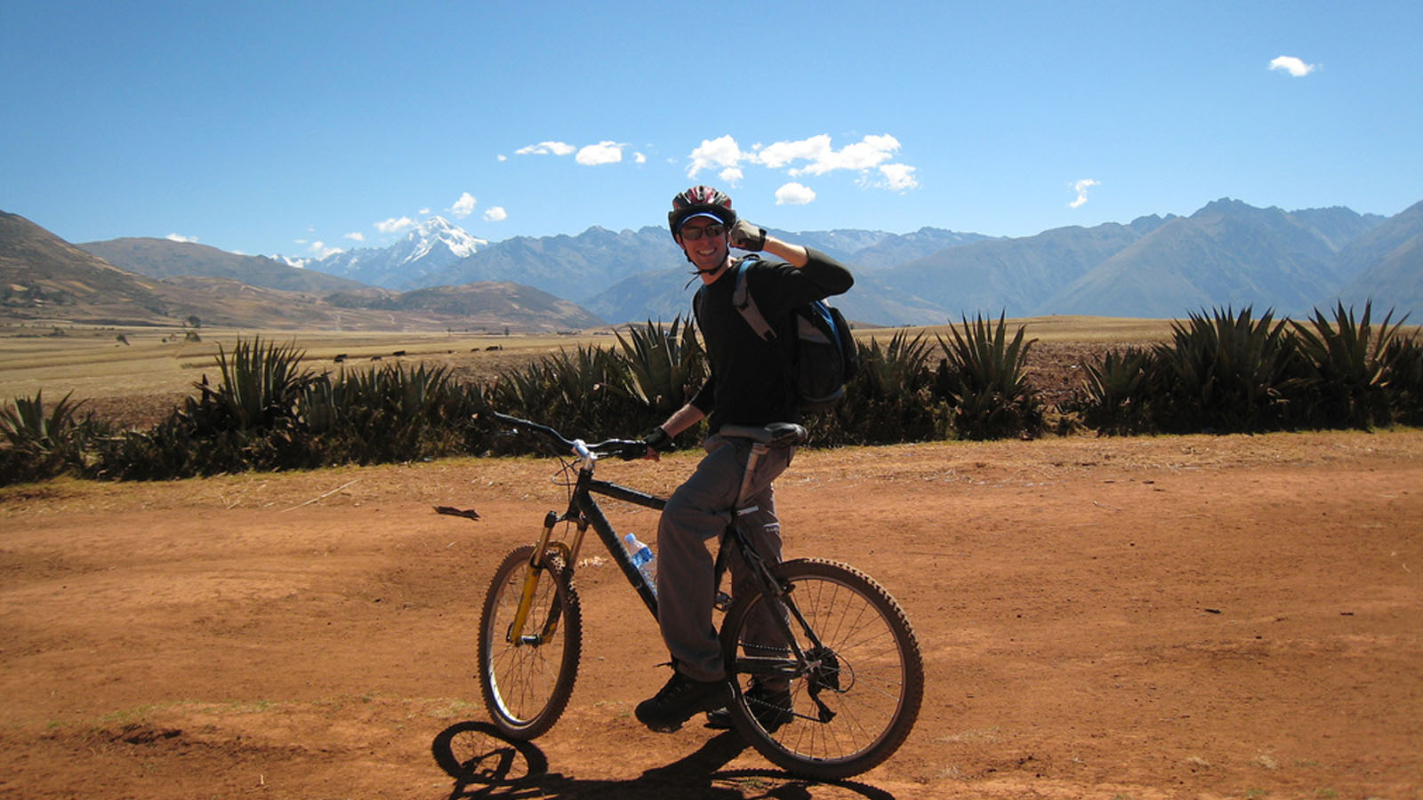 Foto 1 de Biking to Maras - Moray
