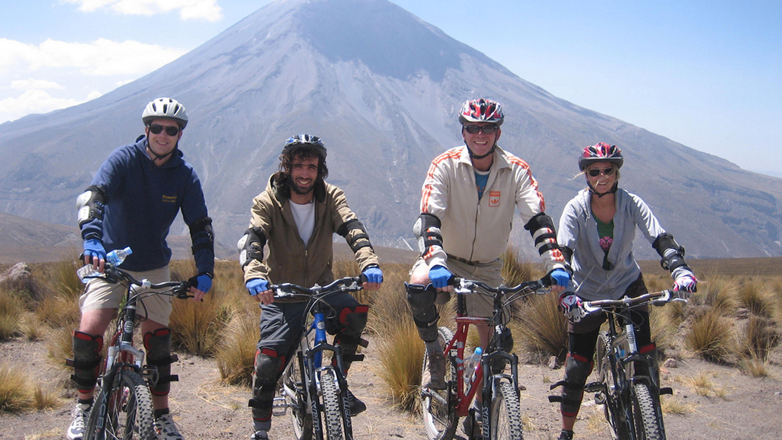 Portada de Chachani - Biking downhill