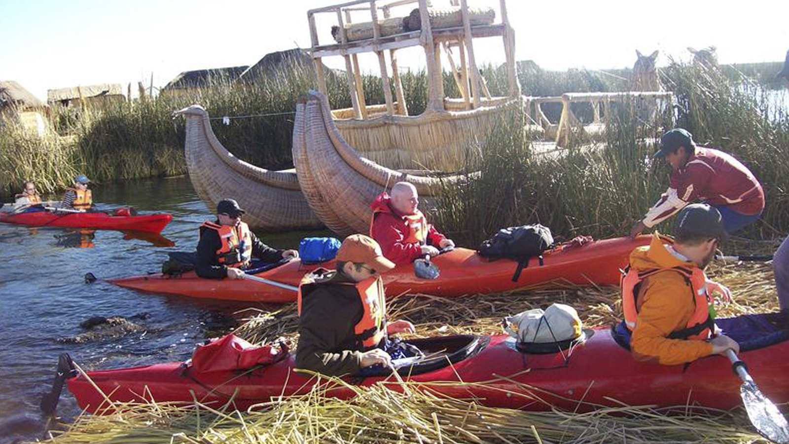 Foto 1 de Kayaking no lago titicaca