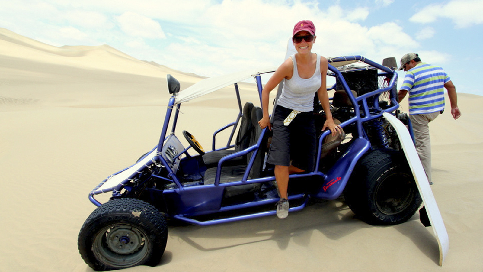Foto 1 de Buggies and Sandboarding in Usaca
