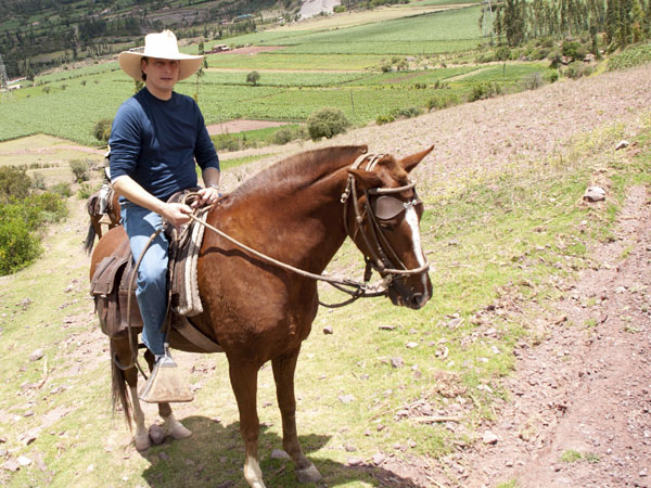 Portada de Horseback riding through Maras and Moray